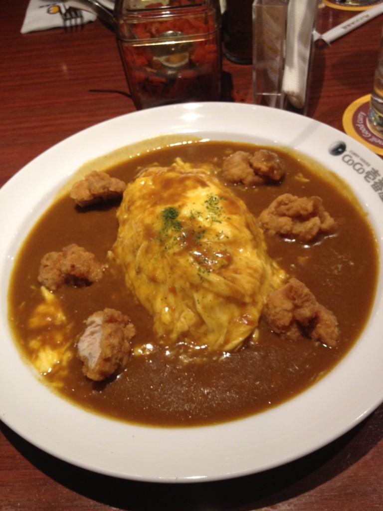ข้าวแกงกะหรี่หน้าไข่+ไก่ทอด