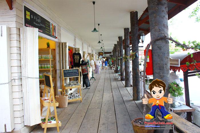 บรรยากาศของร้านค้าภายในตลาดน้ำหัวหินสามพันนาม