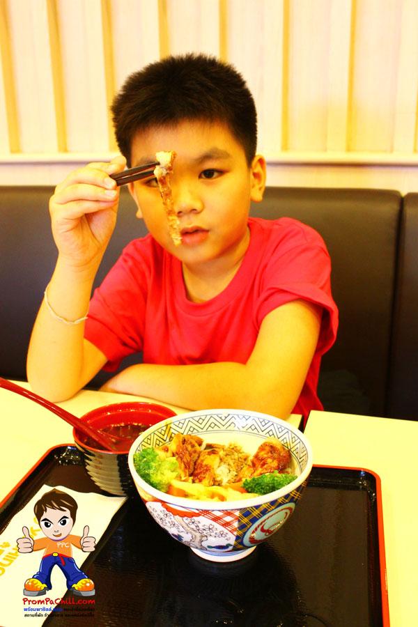 รีวิวข้าวหน้าไก่เทริยากิ-Yoshinoya
